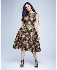 """""""Chi Chi"""" Chi Chi Metallic Floral Brocade Dress at Simply Be"""