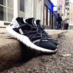 Nike Air Huarache NM: Black/White