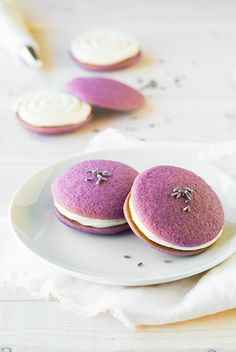 If you are one of those people looking at these cookies saying, really? Flowers? I know just what you mean. I used to think the same thing, I thought peopl