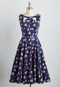 1950s cut out top floral print retro dress. Arbiter of Elegance Dress