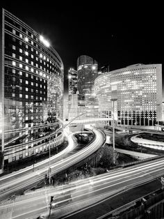 Metropolis: Paris by Mac Oller, via Behance