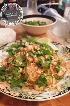 New soup thai facile 42 Ideas Chicken Soup Recipes, Healthy Soup Recipes, Bean Recipes, Cooking Recipes, Thai Express, Low Carb Potatoes, Pad Thai Sauce, Viet Food, Crock Pot Slow Cooker