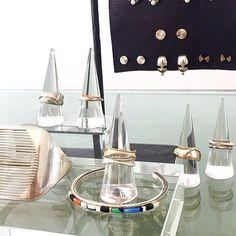 Plexi jewelry display