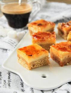 Bocadito de crema catalana al café Sweet Recipes, Cake Recipes, Venezuelan Food, Italian Cream Cakes, Boston Cream Pie, Milk Cake, Dessert Bars, Sweet Treats, Food And Drink