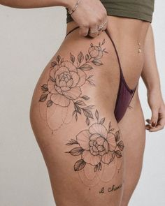 Small Hip Tattoos Women, Side Thigh Tattoos Women, Back Of Thigh Tattoo, Stomach Tattoos Women, Hip Thigh Tattoos, Black Girls With Tattoos, Sexy Tattoos For Women, Small Girl Tattoos, Side Of Hip Tattoo