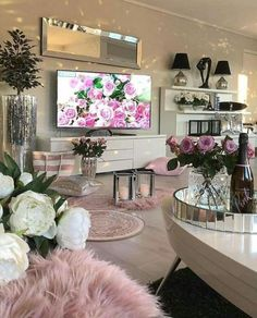 Recreate this white and pink cozy living room decor - Design + Silver Living Room, Glam Living Room, Living Room Decor Cozy, New Living Room, Living Room Interior, Bedroom Decor, Cozy House, Living Room Designs, Wooden Furniture