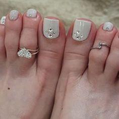 👣👑💖 #barefoot #pedicure #prettyfeet #prettytoes #naildiva #footgoddess #footfetishnation #footmodel Pedicure Nail Art, Pedicure Designs, Toe Nail Art, Manicure And Pedicure, Pedicures, Nail Desighns, Nail Printer, Cute Toe Nails, Glamour Nails