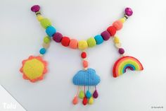 Kinderwagenkette selber häkeln: kostenlose Anleitung - Talu.de Owl Crochet Patterns, Doll Patterns Free, Owl Patterns, Crochet Horse, Love Crochet, Knit Crochet, Diy Gifts For Kids, Diy For Kids, Mobiles