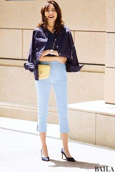 気持ちよい一日にしたいからネイビー×ブルーの淡色&ご機嫌パンツスタイル-@BAILA