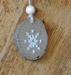 IJskristal - borduren op hout christmas decoration