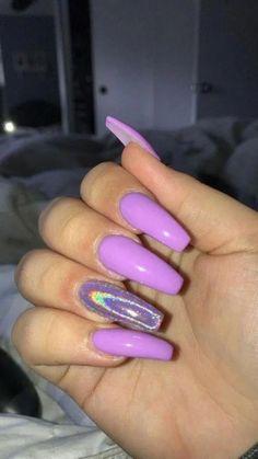 Semi-permanent varnish, false nails, patches: which manicure to choose? Semi-permanent varnish, false nails, patches: which manicure to choose? Purple Acrylic Nails, Summer Acrylic Nails, Best Acrylic Nails, Summer Nails, Purple Chrome Nails, Summer 3, Purple Stiletto Nails, Holographic Nails Acrylic, Ballerina Acrylic Nails