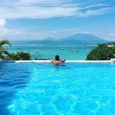 Hard day at the office. #Nusa Lembongan #Bali Www.rudisbalitours.com
