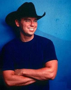 Kenny Chesney, the king of summer! :)