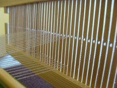 În atelier   Atelierul de miniaturi Loom Weaving, Hand Weaving, Loom Knitting, Blinds, Curtains, Home Decor, Spinning Wheels, Simple, Diy