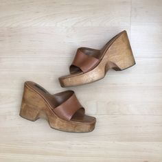 Steve Madden Platform Wedges Steve Madden tan platform wedges. Tan leather and wood. Size 10 (I'm a size 9.5 and they fit me perfectly). In great condition. Perfect for spring and summer. Steve Madden Shoes Wedges