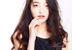 Curtir nossa galeria de fotos!  Dê uma olhada na bela mulher asiática Qijun