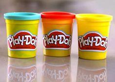 Becher mit Play-Doh Knete