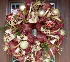 christmas-wreaths-mesh- ideas red gold christmas tree toys