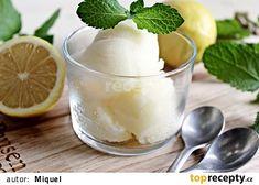 Citronový sorbet z domácího zmrzlinovače recept - TopRecepty. Baked Goods, Panna Cotta, Pudding, Baking, Ethnic Recipes, Desserts, Pastries, Food, Instagram