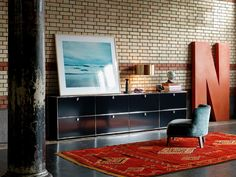 Discover ideas for interior design in our range of custom office furniture. Find interior decorating inspiration for offices and more at USM.
