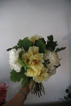 Honey of a Thousand Flowers - Oak Leaves would be perfect for a Downtown Raleigh Bride!