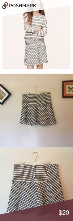 LOFT stripe skirt LOFT cotton blend stripe skirt. EUC. Length: 19 inches Waist: 34 inches LOFT Skirts