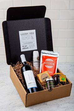 7 Stylish Companies That Are Making Gift Boxes Cool via @MyDomaine