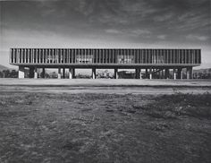 丹下健三「広島ピースセンター」1955年