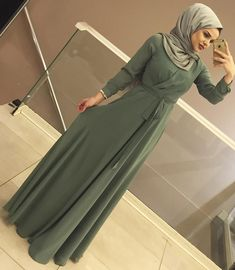 Hijab Evening Dress, Hijab Dress Party, Hijab Style Dress, Islamic Fashion, Muslim Fashion, Modest Fashion, Fashion Dresses, Modele Hijab, Mode Abaya