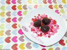Conheça a receita para uma sobremesa de chocolate que não engorda! O chocolate é uma das maiores tentações do mundo gastronômico. A imensa maioria das pessoas do mundo não abre mão de uma barrinha de vez em quando. Saboroso, ele ainda traz consigo, nas versões meio-amargo e amargo, inúmeros benefícios à saúde. Além dos já…