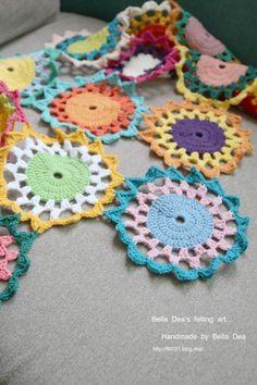 꽃들의 향연 - 꽃 모양 모티브 블랭킷 도안 , 손뜨개 커튼 만들기 [ 앵콜스뜨개실 , 벨라디아 ] : 네이버 블로그 Love Crochet, Diy And Crafts, Crochet Necklace, Blanket, Blankets, Crochet Collar, Carpet, Quilt