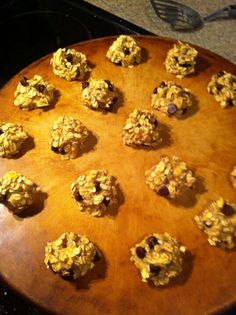 Low fat snack-  2 ripe bananas 1 cup oats mix well. You can add in choc chips ( dark shown here)  15 min at 350 on un greased cookie sheet. 46 calories each