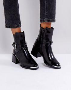 Lost Ink - Jodphur - Ankle-Boots mit Absatz und schwarzen Zierstreifen - Schwarz Jetzt bestellen unter: https://mode.ladendirekt.de/damen/schuhe/stiefeletten/ankleboots/?uid=4212fc0b-9a5a-5a11-ab15-1ba5af2f1e6b&utm_source=pinterest&utm_medium=pin&utm_campaign=boards #stiefeletten #stiefel #ankleboots #schuhe #female