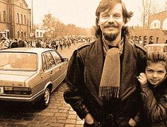 The Great Leap West – November 6, 1989 – Past Daily – . . .or Click on the Link Here for Audio Player – CBS World News Roundup – November 6, 1989 – Gordon Skene Sound Collection The flood of East Germans pouring into West Berlin continued without stop on this day 25 years ago. The East German government was quickly amending travel laws, allowing... #1980's #1989 #broadcastjournalism