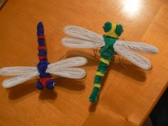 Dragonflies Pipe Cleaner Projects, Pipe Cleaner Art, Pipe Cleaner Animals, Pipe Cleaners, Diy For Kids, Crafts For Kids, Arts And Crafts, Cute Crafts, Easy Crafts