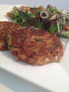 Vegetarian Recepies, Vegan Snacks, Veggie Recipes, Healthy Recipes, Vegetarian Food, Vegi Burger, Spinach Burgers, Vegetable Pie, Vegan Milk