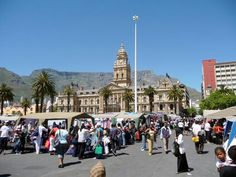 Saturday Market on the Cape Town Parade Now I Am An African, Le Cap, Cape Town, South Africa, Places To Visit, Street View, Tours, Landscape, Country