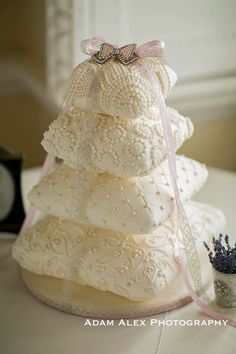 How cute is this cake for bridal shower?