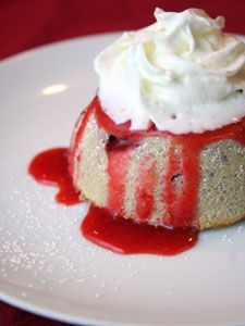 Strawberry White Chocolate Lava Cake | Lava Cake Recipe