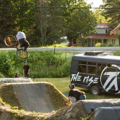 Bikecheck: Jeremy Menduni's Partymaster - The Rise 24 Bike, Monster Trucks, Road Trip, Tours, Road Trips