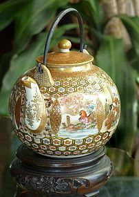 Fine Old Japanese Satsuma Sake Pot or Teapot. www.teacampaign.ca  Source: see below.
