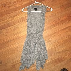 Gray forever 21 sleeveless sweater Great condition! Great for any season, sweater has tie that wraps around waist, size medium! Forever 21 Sweaters Cardigans