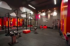 Rugged athleticism meets progressive design at Vancouver& Devised by BOX Interior Design& firm that specializes in restaurants and hotels& colorful space is outfitted with cutting-edge equipment, offering CrossFit, spinning, and other classes. Trx, High Design, Gym Design, Sport Design, Design Color, Fitness Gym, Fitness Studio, Fitness Shirts, Fitness Outfits