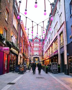 West End Shopping Itinerary - Things To Do - visitlondon.com