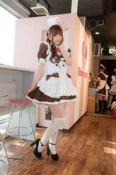 Like Maids? Want to see more maids? Well welcome to Team Maid then. Maid Cosplay, Cosplay Dress, Cosplay Girls, Maid Outfit, Maid Dress, Girly Outfits, Cute Outfits, Sweet Girls, Legs