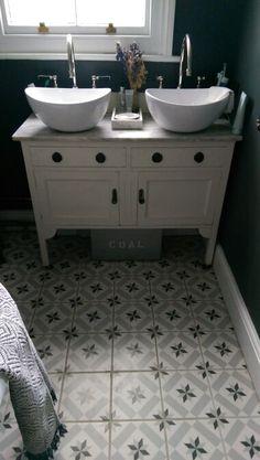 My Bathroom: Vintage Washstand by Lianne Westwood Moving House, Bathroom Accessories, Contemporary, Modern, Bathroom Vintage, Bathrooms, Interiors, Spaces, London