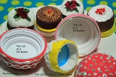 Super easy dollhouse cakes from bottle cap + polymer clay + micro decorations - great as beginner project OR to practice cake decorating without making full cake | Source: It's All About Decorating