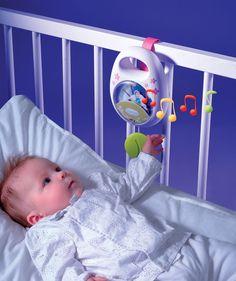 #Smoby hudobná skrinka Cotoons je nádherná hracia skrinka vhodná pre najmenšie deti od 0 mesiacov. Skvelé na tejto hračke pre bábätká je, že má naťahovací mechanizmus a tak k nej nie sú potrebné baterky. Je to novinka medzi hracími skrinkami, ktorá bude určite obľúbená medzi najmenšími deťmi. Baby Car Seats, Babies, Children, Home Decor, Young Children, Babys, Boys, Decoration Home, Room Decor