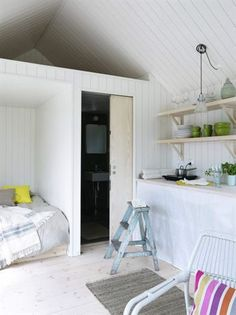 Gravity Interior : Small Swedish summerhouse via Expressen Compact Living, Tiny Living, Small Summer House, Summer House Interiors, Self Build Houses, Multipurpose Furniture, Tiny Spaces, Blog Deco, Bungalow