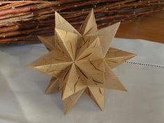 Home-made origami moravian stars | Christmas | Paper, Christmas door decorations, Paper crafts - photo#9